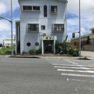 〇宮古島でカジュアルバンドを聞きながらファンキーフラミンゴのハンバーガー【宮古島グルメ】