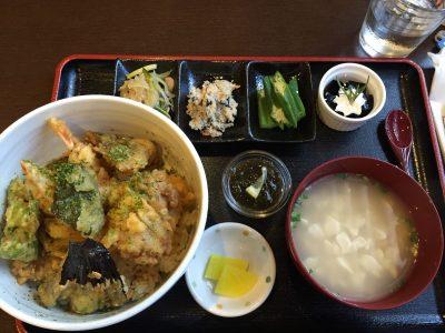 沖縄料理が豊富!念願のおふくろ亭